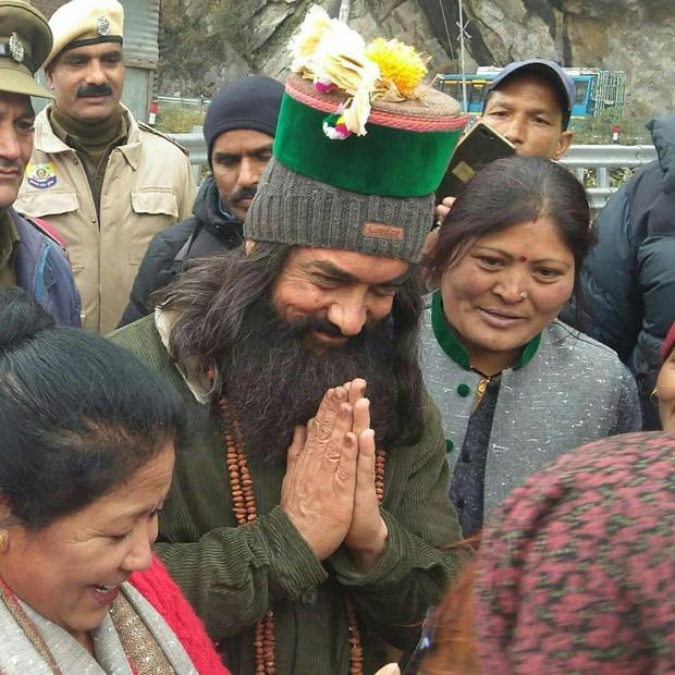 Laal Singh Chaddha: Aamir Khan greets fans during Himachal shoot