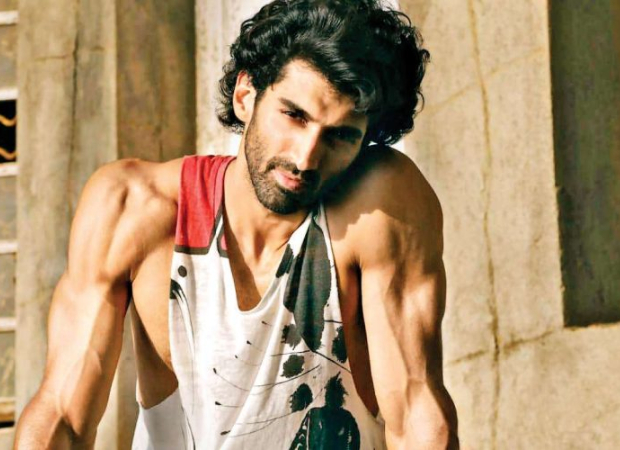 Watch Aditya Roy Kapur Says The Kiss In Malang Is A Tribute To This Actor Bollywood News Bollywood Hungama