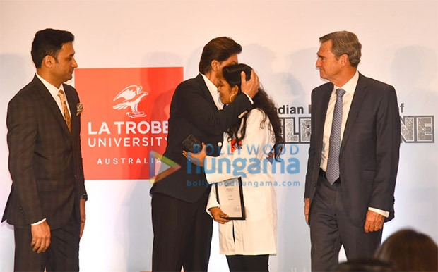 Shah Rukh Khan awards scholarship to a young female researcher from Kerala