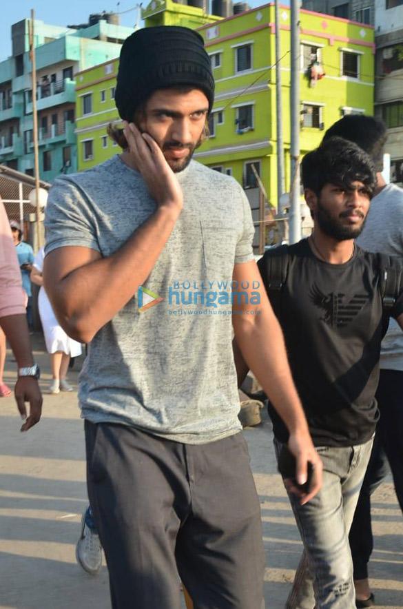 Photos Ananya Panday and Vijay Deverakonda snapped at Versova jetty (5)