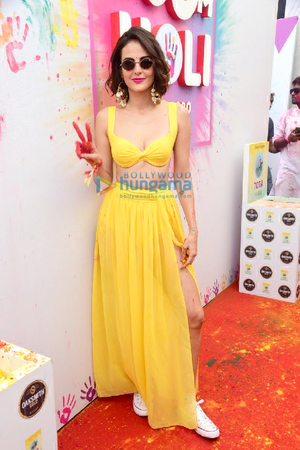 Photos Jacqueline Fernandez, Amyra Dastur, Sonal Chauhan and others attend the Zoom Holi Party 2020 (3)