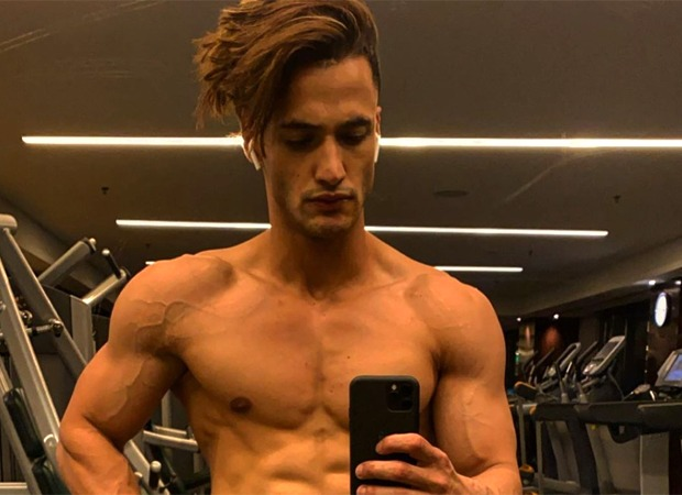 Asim Riaz gives a glimpse of his intense workout regime