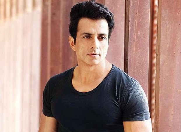 Sonu Sood takes a dig at the 'rich, famous' people for sharing pictures of food online