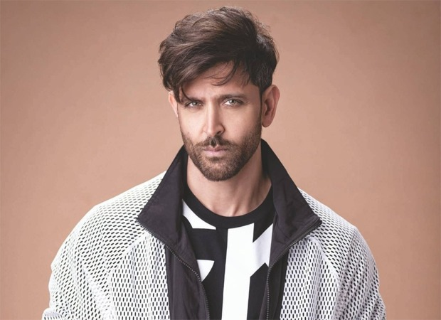 Hrithik Roshan extends financial support to paparazzi who have gone out of work during