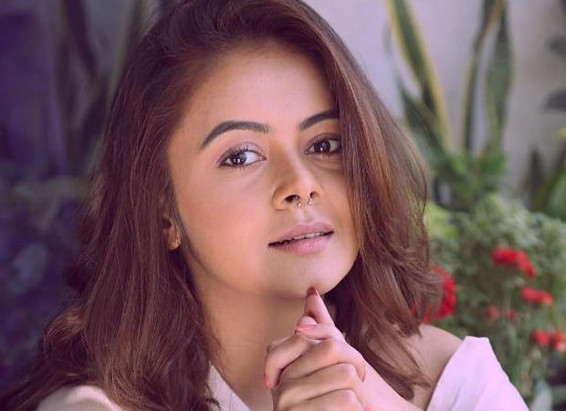 Devoleena Bhattacharjee adopts two families for a month and donate money for their groceries and food