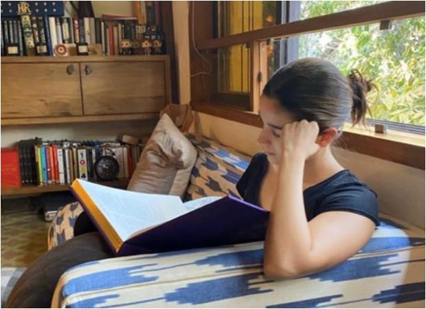 Shaheen Bhatt captures Alia Bhatt reading Harry Potter on World Book Day