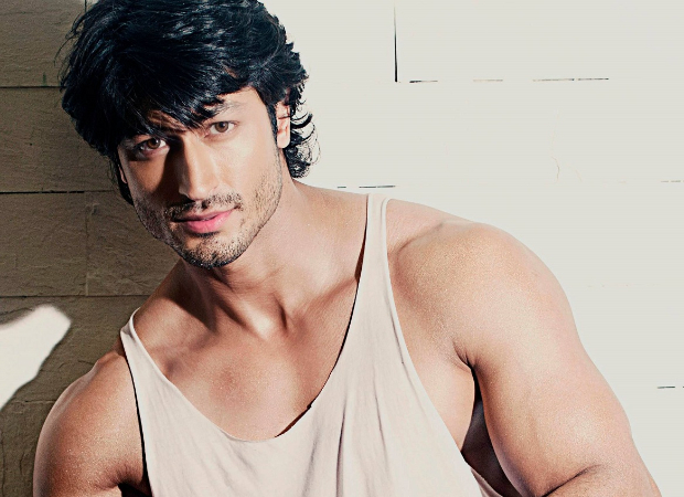 Vidyut Jammwal shares his martial arts techniques with his fans on social media
