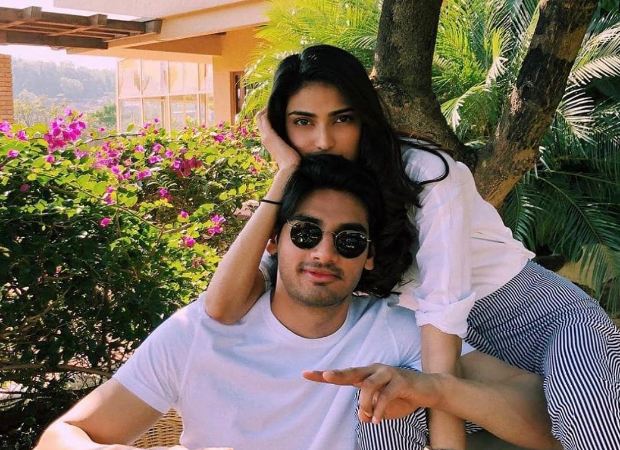 Athiya Shetty and Ahan Shetty help the paparazzi out by transferring the payment to their