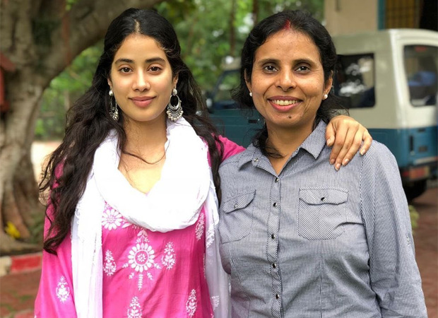 Janhvi Kapoor Looks Elated As She Shares A Picture Of Her First Meeting With Gunjan Saxena Bollywood News Bollywood Hungama