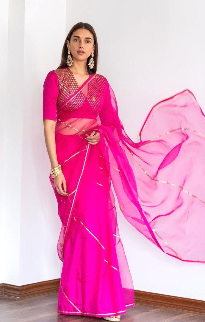 Aditi Rao Hydari looked resplendent in Raw Mango sheer and vibrant pink saree at Dia Mirza's wedding : Bollywood News - Bollywood Hungama