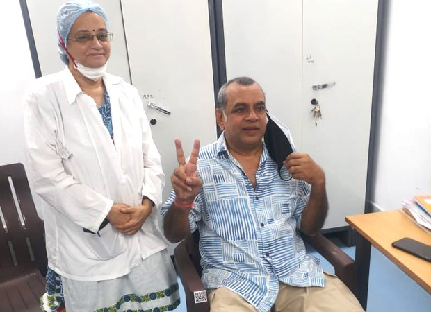 Paresh Rawal takes the first dose of COVID-19 vaccination; thanks health workers and scientists