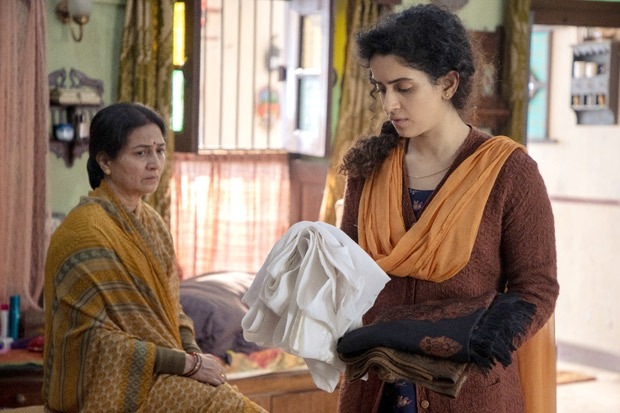 Sanya Malhotra is struggling to mourn the death of her husband in Netflix's  Pagglait trailer : Bollywood News - Bollywood Hungama