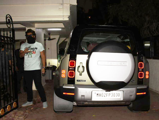 Arjun Kapoor splurges nearly Rs. 1 crore for his latest acquisition, the Land Rover Defender