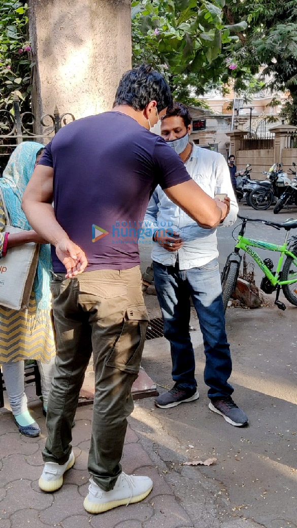 Photos Sonu Sood spotted at his residence (5)