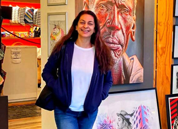 Juhi Chawla reunites with her family in Cape Town!