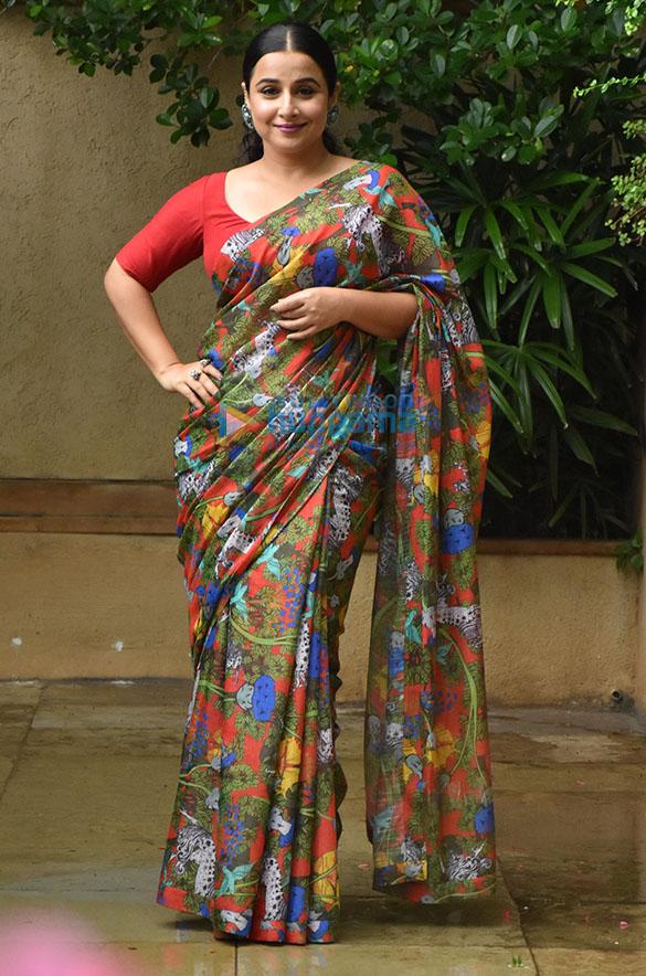 Photos Vidya Balan snapped promoting her film Sherni (2)
