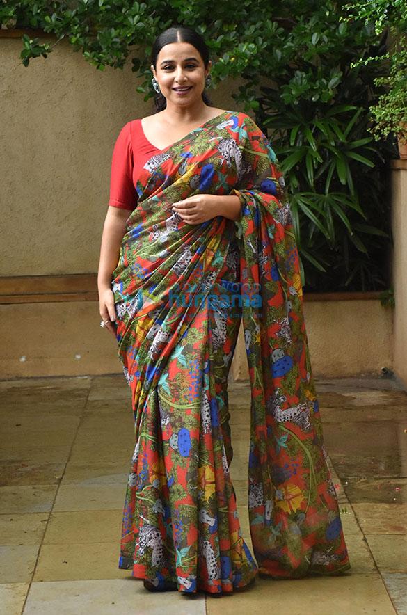 Photos Vidya Balan snapped promoting her film Sherni (4)