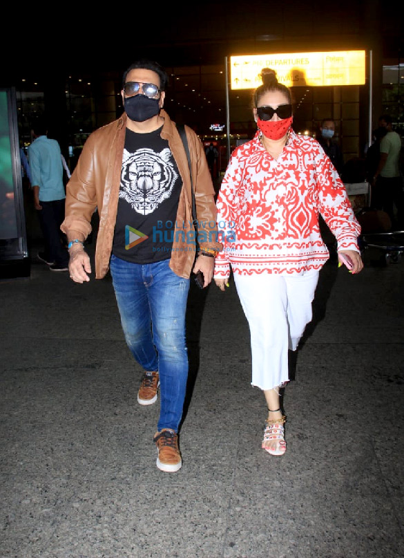 Photos Malaika Arora, Govinda and Sunita Ahuja snapped at the airport (2)