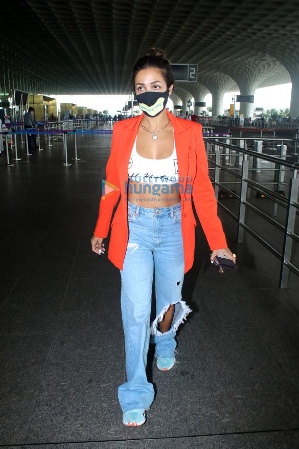Photos Malaika Arora snapped at the airport (1)