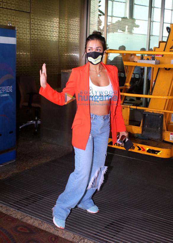 Photos Malaika Arora snapped at the airport (4)