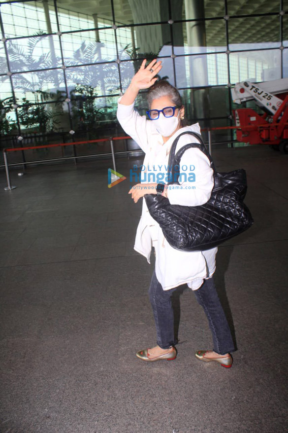 Photos Shraddha Kapoor, Ranbir Kapoor and others snapped at the airport (5)