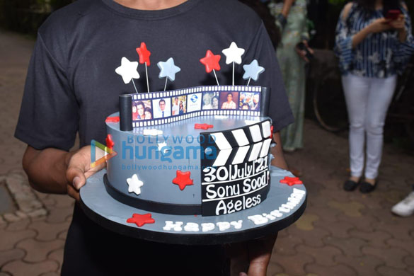 Photos Sonu Sood snapped celebrating his birthday with the media (7)