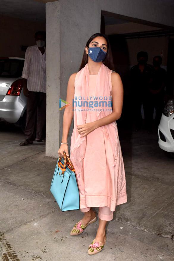Photos: Kiara Advani snapped in Andheri