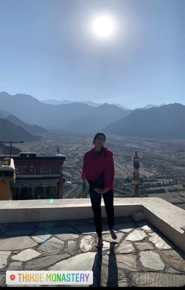 Sara Ali Khan and Radhika Madan bond over while exploring Ladakh together