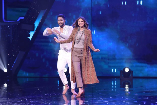 Sonali Bendre and Moushumi Chatterjee to grace the sets of Super Dancer - Chapter 4