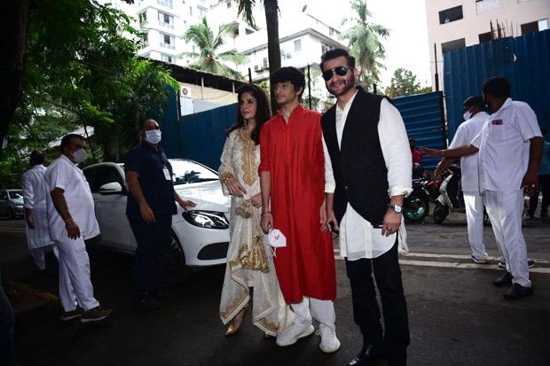 Arjun Kapoor, Khushi Kapoor, Shanaya Kapoor and other family members arrive at Anil Kapoor's residence for Rhea Kapoor and Karan Boolani's wedding
