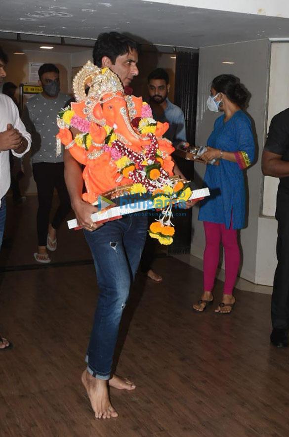 Photos Sonu Sood for Ganpati Visarjan (1)