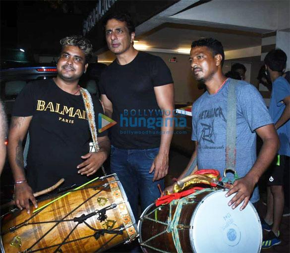 Photos Sonu Sood for Ganpati Visarjan (2)