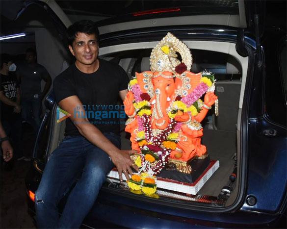 Photos Sonu Sood for Ganpati Visarjan (30