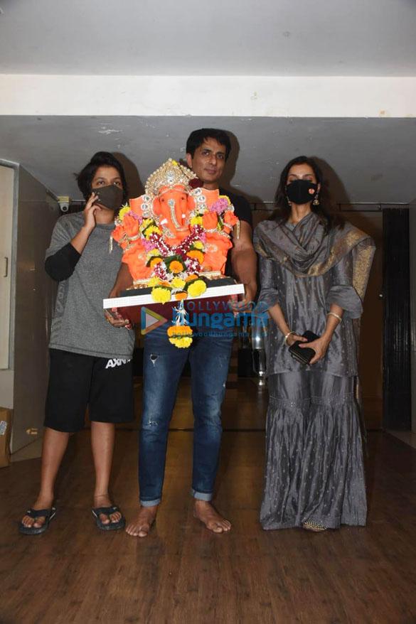 Photos Sonu Sood for Ganpati Visarjan (7)