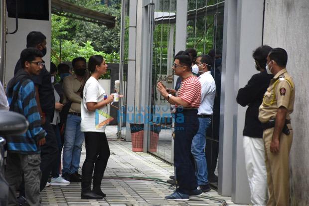 Aamir Khan and Kareena Kapoor Khan resume Laal Singh Chaddha shoot in Mumbai