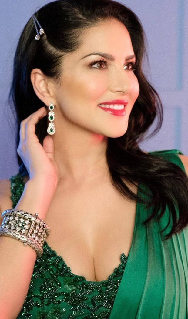 Sunny Leone turns up the heat in a sexy green saree