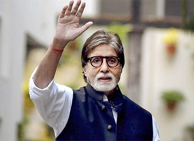 Amitabh Bachchan looks for suggestions to keep invading bats away; says the family is petrified